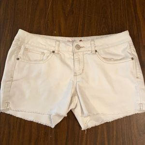 ☀️ SO Juniors Ivory Denim Cut Off Shorts